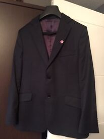 Paul costelloe navy blue suit, excellent condition,36 w -chest 40 only £25