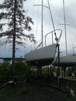 Sailboat: J 24 with headsail furling system