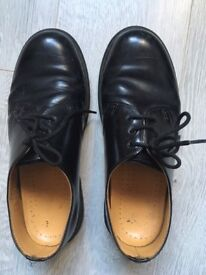 Dr Martens classic shoe, have been used but no big scuffs