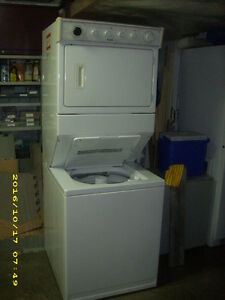 Stacking washer / dryer
