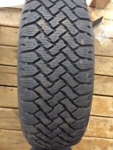 Winter Tire for sale/Pneu pour Vendre,