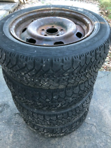 205 60 16 GOODYEAR NORDIC WINTER TIRES
