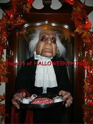 ANIMATED / TALKING STANLEY the BUTLER SERVING EERY TREATS HALLOWEEN DISPLAY PROP](Stanley Halloween)