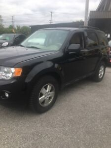 2010 Ford Escape, 4WD, 4cyl, Financing available