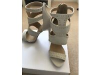 Shoes in Cream by Asos-Size 6