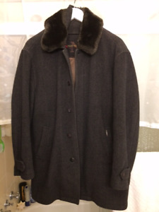 Classy, beautiful and classic NottingHill gents wool coat