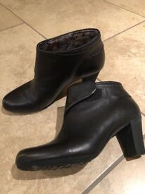 CAMPER Smart Black Leather Ankle Boots Size 5