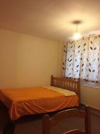 Large double room to rent Alvaston, Derby