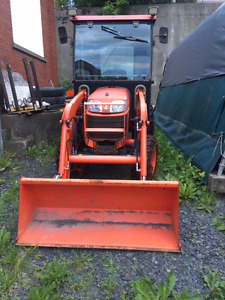 Kubota tractor B2920, year 2012 with 208 hrs