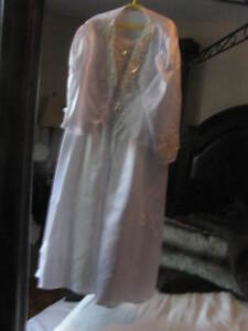 Gorgeous Girl's White Dress size 8-10 1st communion or wedding