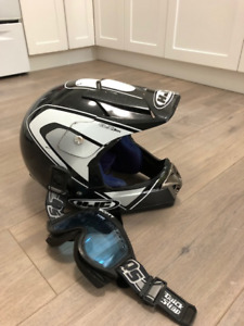 Mens large snowmobile helmet with goggles