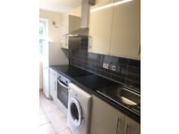 *AVAILABLE IMMEDIATELY* BEAUTIFUL REFURBED 1 BED G/F FLAT, F/R GDNS, 2 P/SPACES MINS FROM CTC