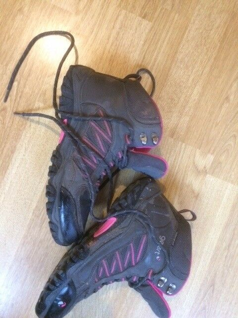 GELERT walking Boots size 5