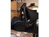 Black Maxi Cosi Cabriofix First Size Baby Seat - Very Good Condition - Waterlooville