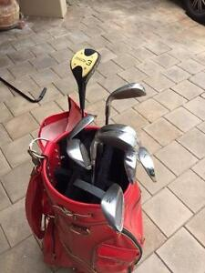 Golfing Set including Red Bag. Attadale Melville Area Preview