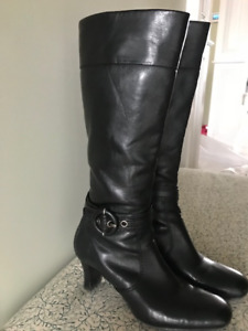 Naturalizer Woman's Leather Boots Size 9