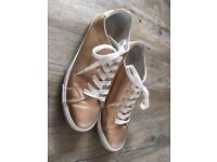 New Look gold trainers - Size 7/40