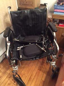 Belle chaise roulante peu utilisé