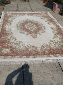 Wool rug 9ft x 6ft Oriental style