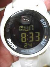 UNLTD WATCH BY MARC ECKO WHITE RUBBER BAND WATER PROOF EX COND Clayton Monash Area Preview