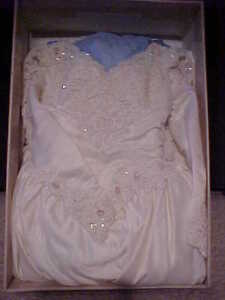 Stunning Bridal Original Wedding Dress-Vail & Head piece