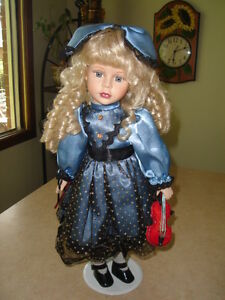 FIRST $40 TAKES IT ~ RARE HAND CRAFTED VINTAGE PORCELAIN DOLL ~