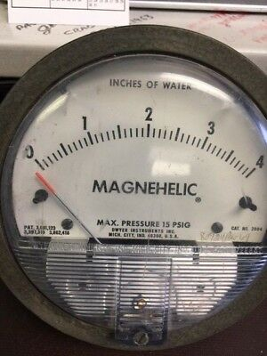Dwyer Magnehelic Water Pressure Gauge 4 12 0-4 Max 15psi