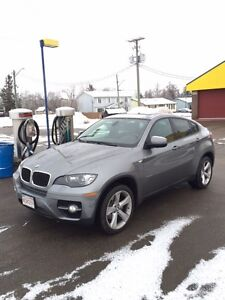2012 BMW X6 35i SUV COUPE Near Mint Condition