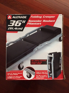 Aweome DEAL on Brand New Folding Creeper (box never opened)