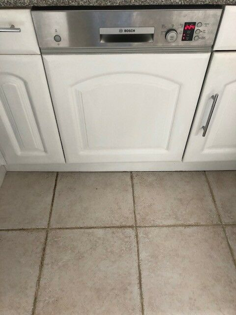 Bosch Built In Dishwasher With White Cabinet Front