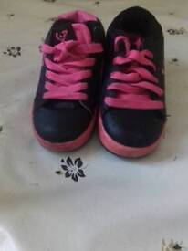 Girls size12 heeleys yes free