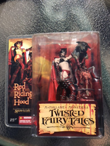 Mcfarlane : Twisted Fairy Tales Action Figure Red Riding Hood