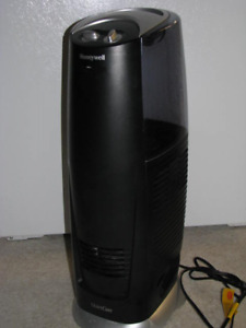 Honeywell Quietcare HCM-315T humidifier - good cond.
