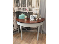 "Shabby chic ""Paris Grey"" Annie Sloan side table by Eclectivo"