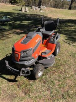 "Husqvarna Vanguard 42 "" V TWIN Ride on Mower in great condition!"