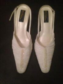 Wedding shoes - Size 6/39 but I am a 5