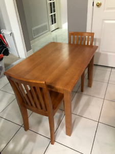 Pottery Barn Kids Table and 4 chairs