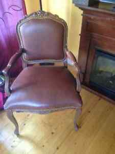 beautiful accent chair (real leather)