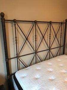 Lit Bombay Valentino Queen- Bombay Queen size bed!