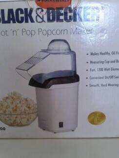 ELECTRIC POPCORN MAKER. BLACK AND DECKER