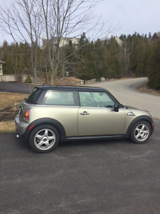 REDUCED!!!!!! 2007 Mini Cooper S Coupe with Blue Ox Tow System