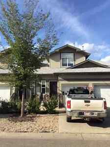 Fully furnished beautiful townhouse in Fort Saskatchewan
