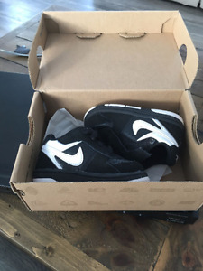***BRAND NEW BABY BOY NIKE SHOES***