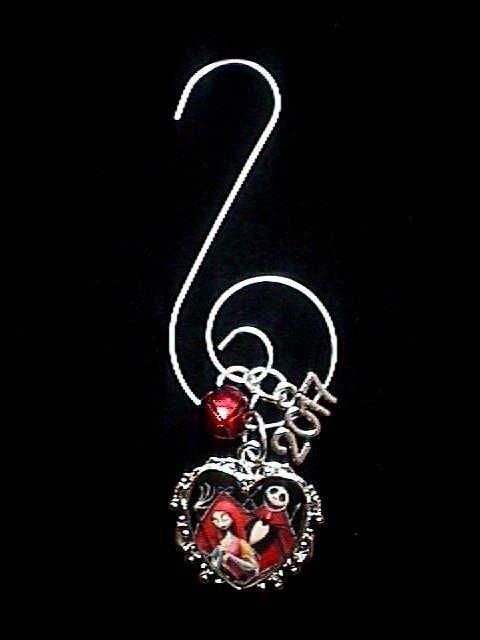 Disney 2017 Nightmare Before Christmas Jack & Sally Christmas Tree Ornament