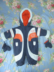 **Like New Warm Thick Gusti snowsuit 12-18 Months