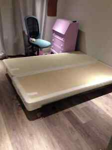sommier latte queen lit et matelas dans grand montr al petites annonces class es de kijiji. Black Bedroom Furniture Sets. Home Design Ideas