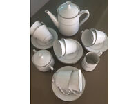 64 Piece Noritake Tahoe 2585 Dinner Set