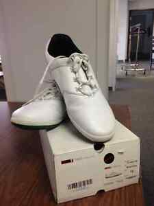 True Linkswear golf shoe Windsor Region Ontario image 1