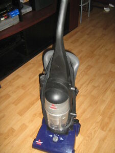 aspirateur bissel powerforce