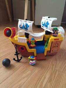 Bateau de pirate Little people